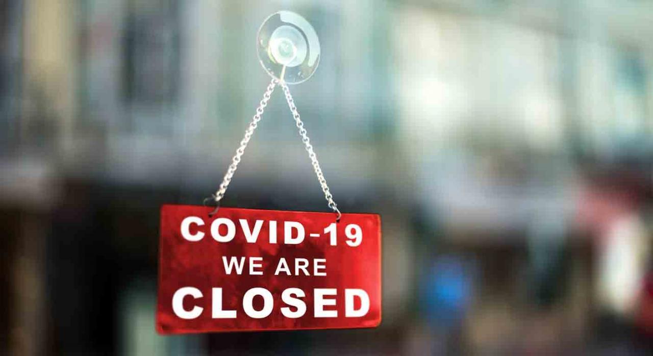 Coste. Cartel de cerrado por Covid-19