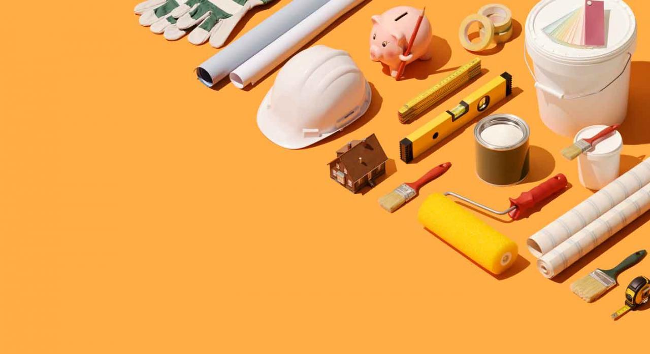 Reparación. Diversas herramientas de trabajo: casco, brochas, metro...